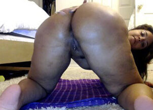 Ebony mature homemade tube