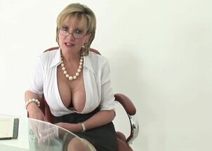 Milf tits flash